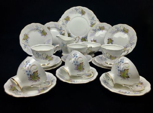 Vintage Royal Standard Angelique Tea Set For 6 People / 21 Piece / Floral